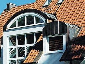 Steildach mit Fenster